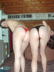 Awesome lesbian girlfriends playing..