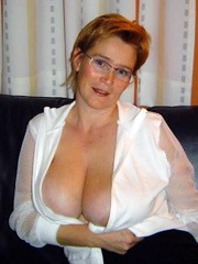 Mature wife shows her huge natural..