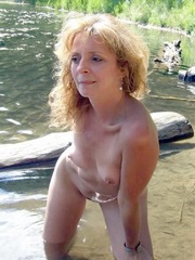 Mature blonde loves to be naked on the..