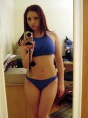 Pretty shaved gf take pics of her hot..