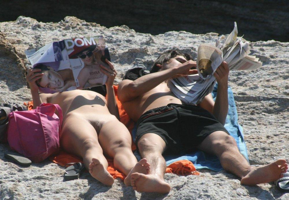 фото сделанное скрытой камерой на нудиском пляже