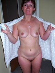 Wonderful MILF Naked at Home, nude pics